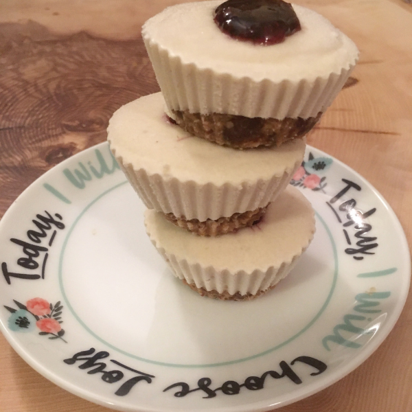 Mini Cashew Cheesecake